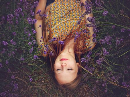 girl-lie-down-beauty-sleep